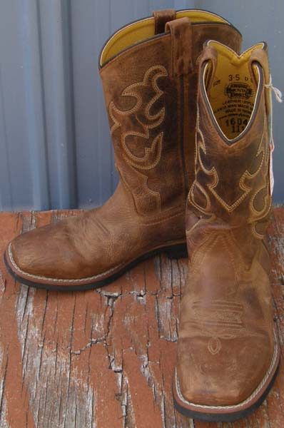 f52f59b3d Smoky Mountain Dark Crazy Horse Youth 3 1/2 Pueblo Square Toe Boots Crepe  Sole